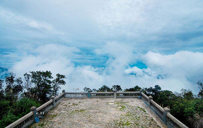 Đỉnh sân mây sapa