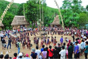 Hội Roóng poọc lạ mà vui ở Sapa Lào Cai