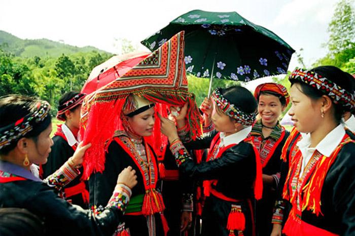 Lễ cưới của người H'Mông