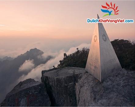 Khung cảnh hùng vĩ đỉnh Fanxipang