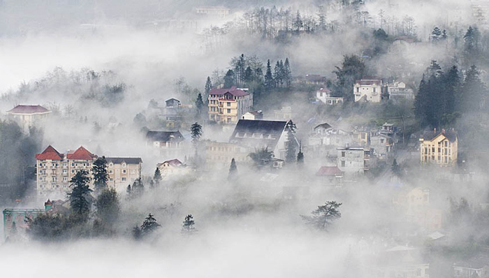 Thị trấn Sapa ngập trong biển sương