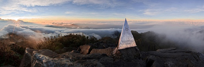Đắm chìm biển mây khi chinh phục đỉnh Fansipan